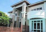 ให้เช่าบ้านเดี่ยวพร้อมสระว่ายน้ำกว้างขวางในซอยรัชดาภิเษก 32 (Spacious Detached House With Private Pool For Rent – Soi Radchada 32) - DDproperty.com