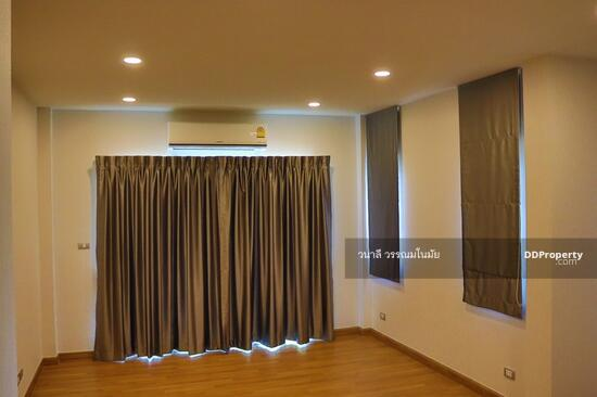 4 Bedroom Detached House in Thawi Watthana, Bangkok  65771000