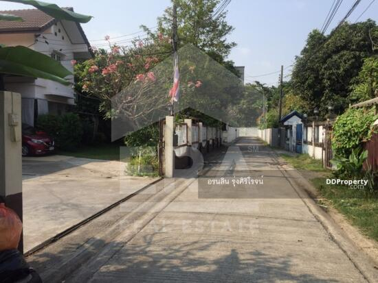 ถนนสุขุมวิท  68142164