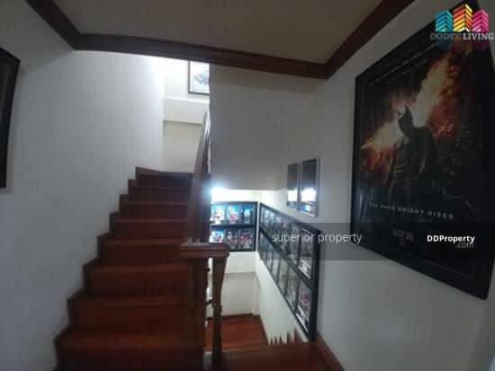 5 Bedroom Townhouse in Watthana, Bangkok  68383779
