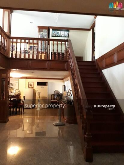 5 Bedroom Townhouse in Watthana, Bangkok  68383784