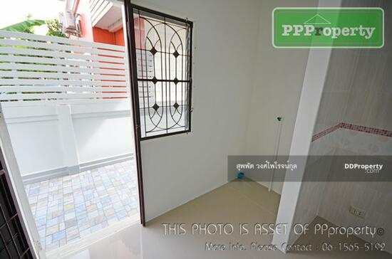 3 Bedroom Detached House in Khlong Luang, Pathum Thani  68722691