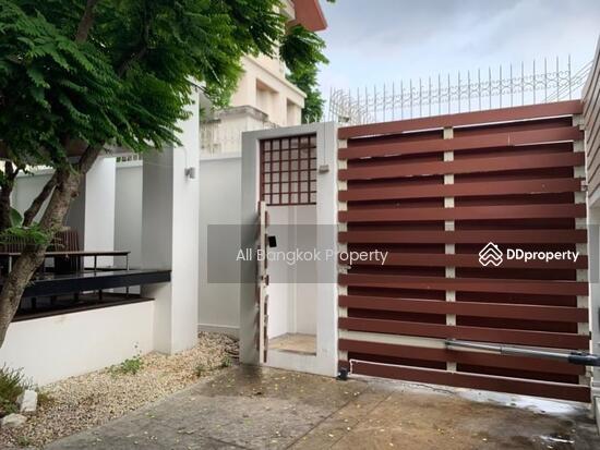 ขาย บ้านเดี่ยว ทองหล่อ 25 รีโนเวทใหม่ 70 ตร.ว. สามารถทำเป็น ออฟฟิศ House for sale new renovation, 70 sq.w., Thonglor 25.  69173504
