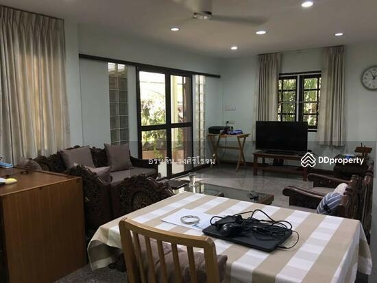 8 Bedroom Detached House in Bang Kapi, Bangkok  69704587
