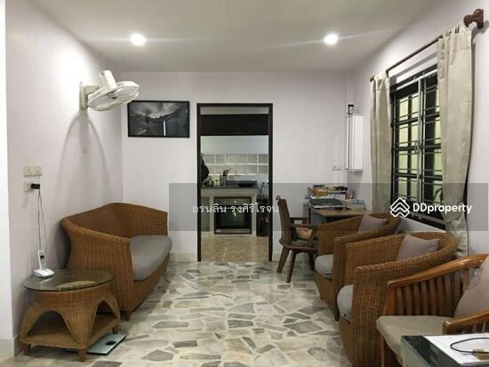 8 Bedroom Detached House in Bang Kapi, Bangkok  69704594