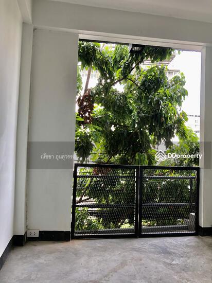 Shophouse in Din Daeng, Bangkok  80104012