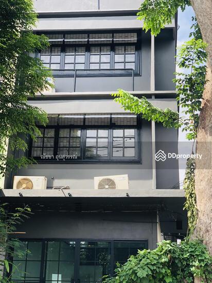 Shophouse in Din Daeng, Bangkok  80104034