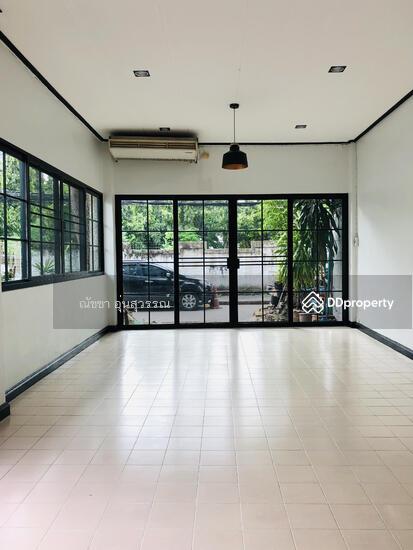 Shophouse in Din Daeng, Bangkok  80104037