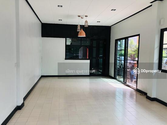 Shophouse in Din Daeng, Bangkok  80104038