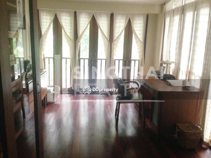 House Ekkamai #86842407